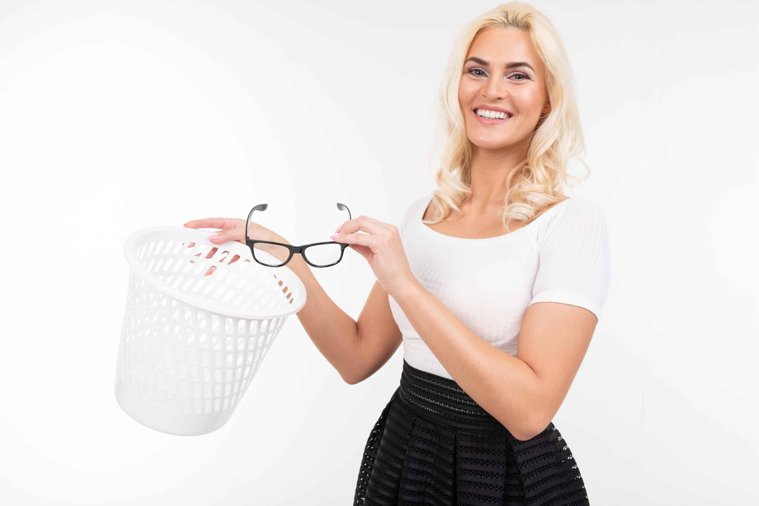 Model getting rid of Glasses for LASIK